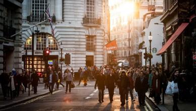 city-sunny-people-street-large